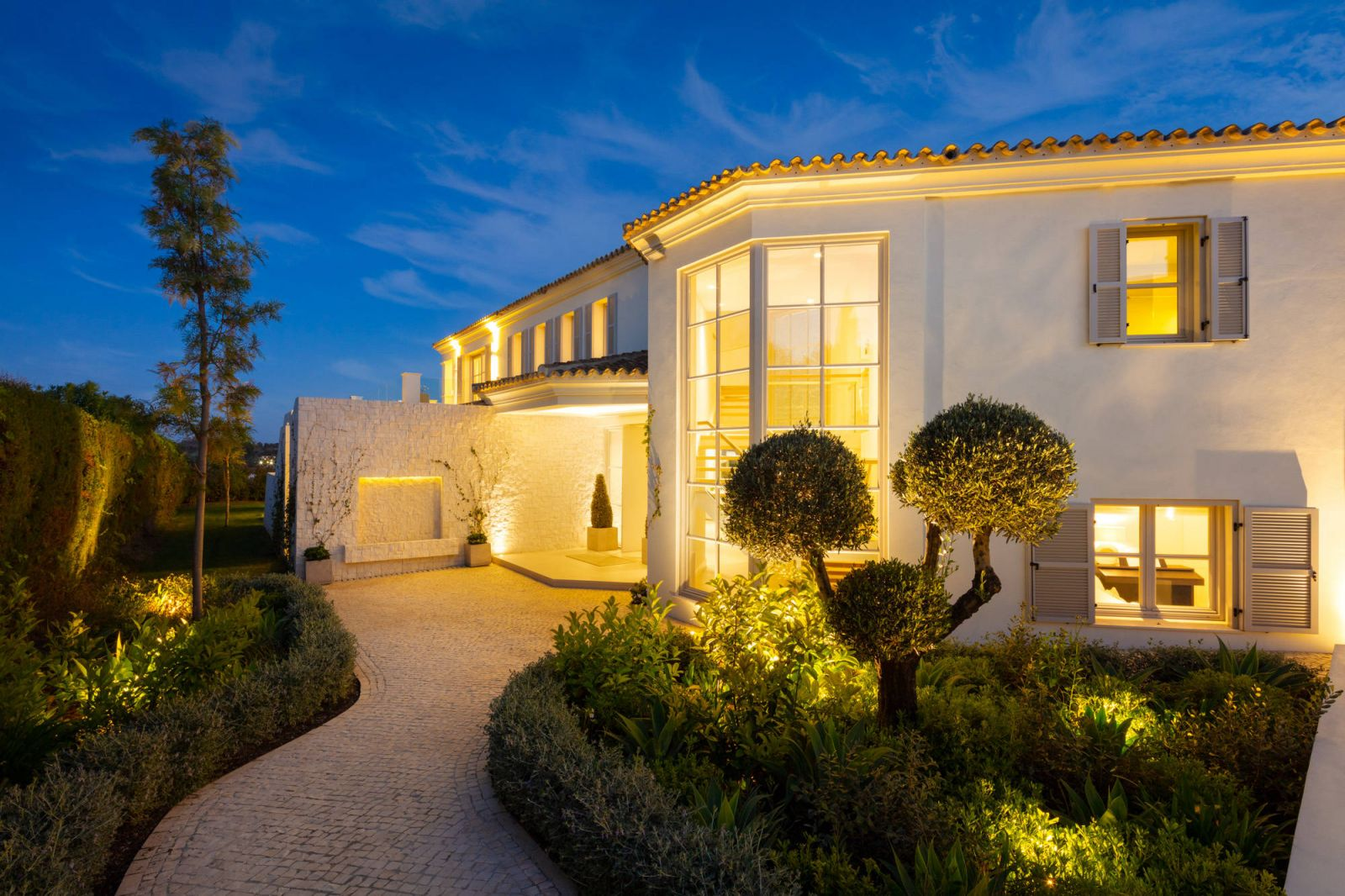 Luxury Nueva Andalucia Villas For Sale
